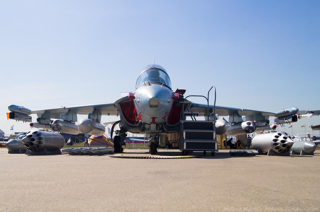 Yak-130: News - Page 6 0_142915_4e34968f_orig