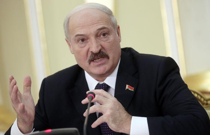 Лукашенко отказался приехать в Москву 9 мая