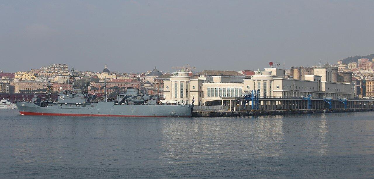 Неаполь. Морской вокзал.