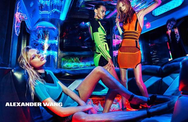 Анна Эверс (Anna Ewers), Лекси Болинг (Lexi Boling) и Бинкс Уолтон (Binx Walton) в рекламной фотосессии для Alexander Wang (4 фото)