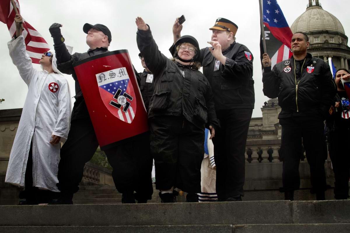Американский фотограф Johnny Milano: Национал-социалистическое движение США в действии (1)