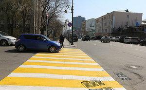 Во Владивостоке обновляют дорожную разметку