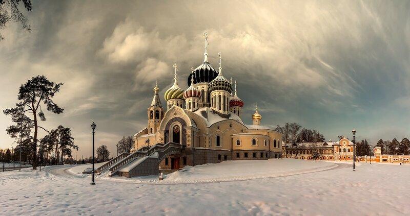 Храм святого князя Игоря Черниговского в Переделкино