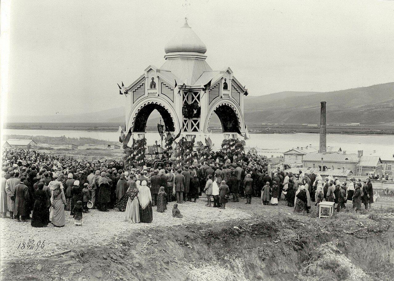 Молебен при закладке железнодорожного моста через реку Енисей