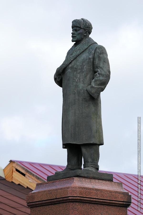 Рыбинск Ленин в зимней шапке