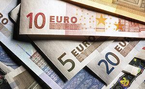 Курс евро превысил 100 рублей