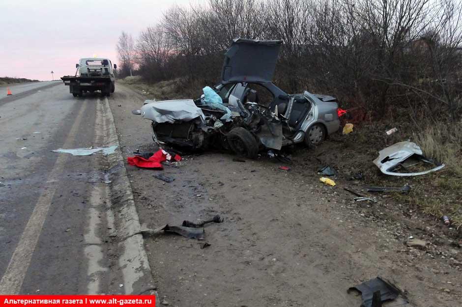 Семеро получили травмы, в том числе мотоциклист