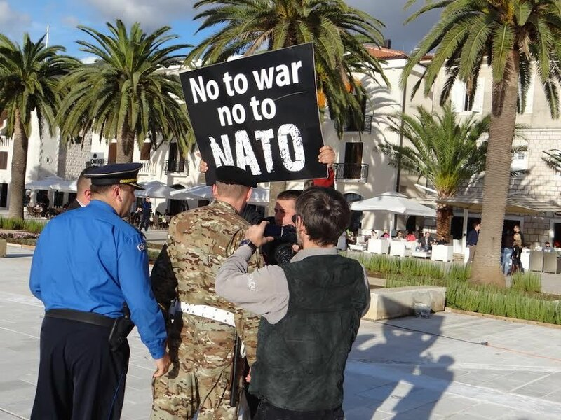 авианосец НАТО Кавур в Тивате