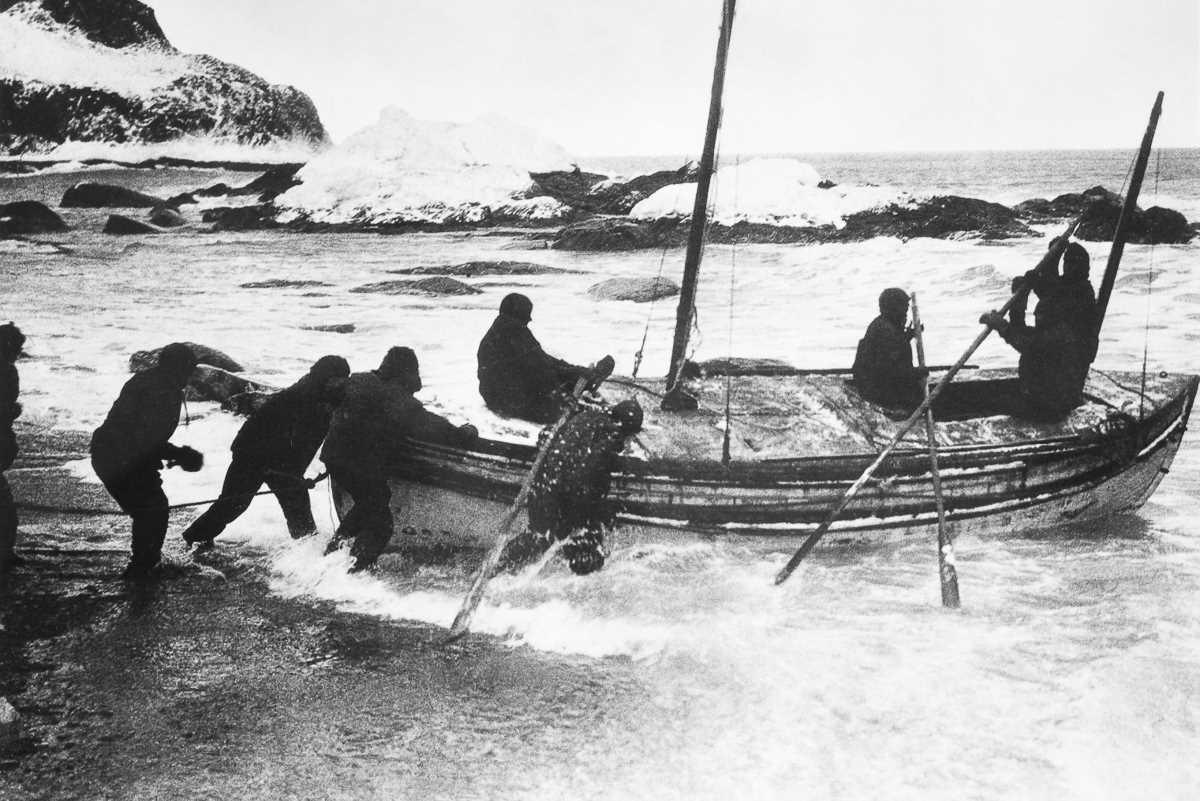47. 24 апреля 1916 года. «Джеймс Кэйрд» отправляется с Элефанта, чтобы достичь острова Южная Георгия