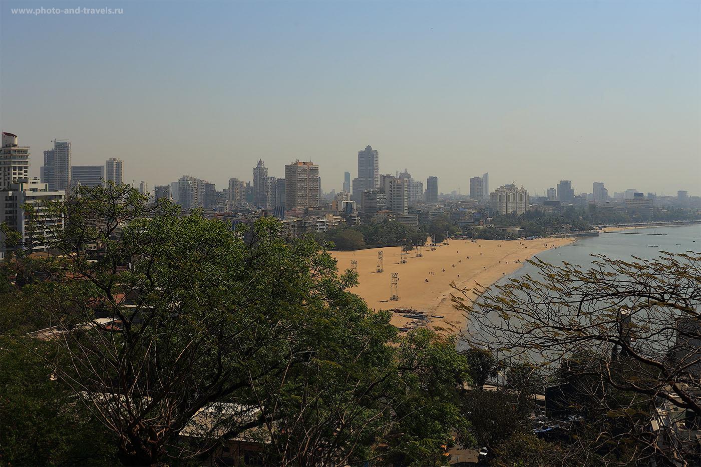 Фото 22. Отдых в Индии. Панорама с холма на Марин Драйв в Мумбаи (1/200, f/9.0, -1EV, ФР=40мм, ИСО 100)
