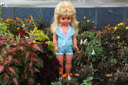 костюм для куклы с шортами
