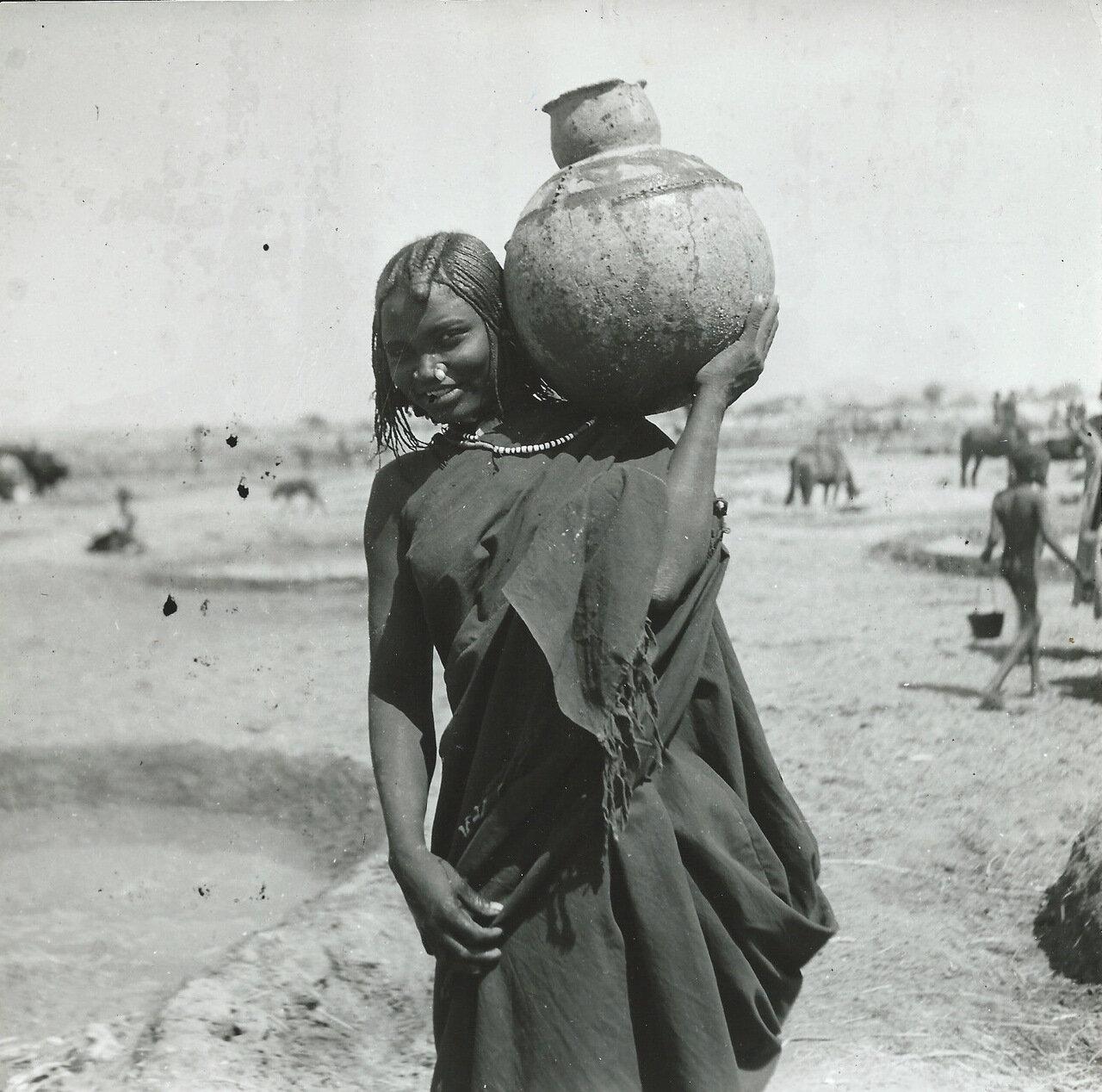 Республика Чад, Женщина с кувшином