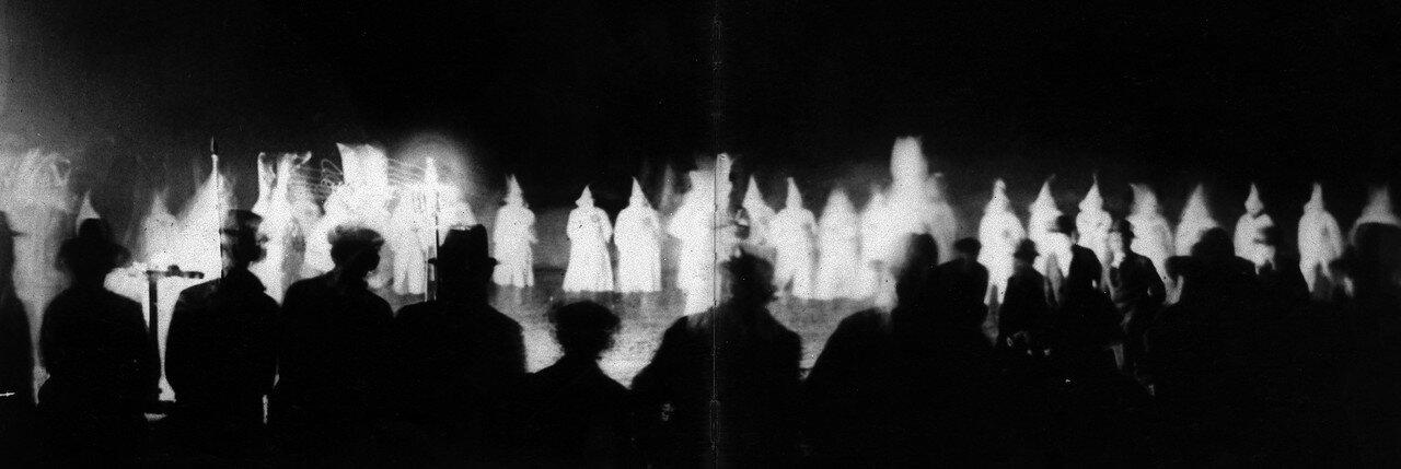 1920-1930. Сходка Ку-клукс-клана