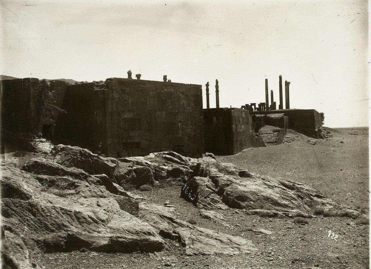 Персеполь. Северо-западныы угол дворцового комплекса