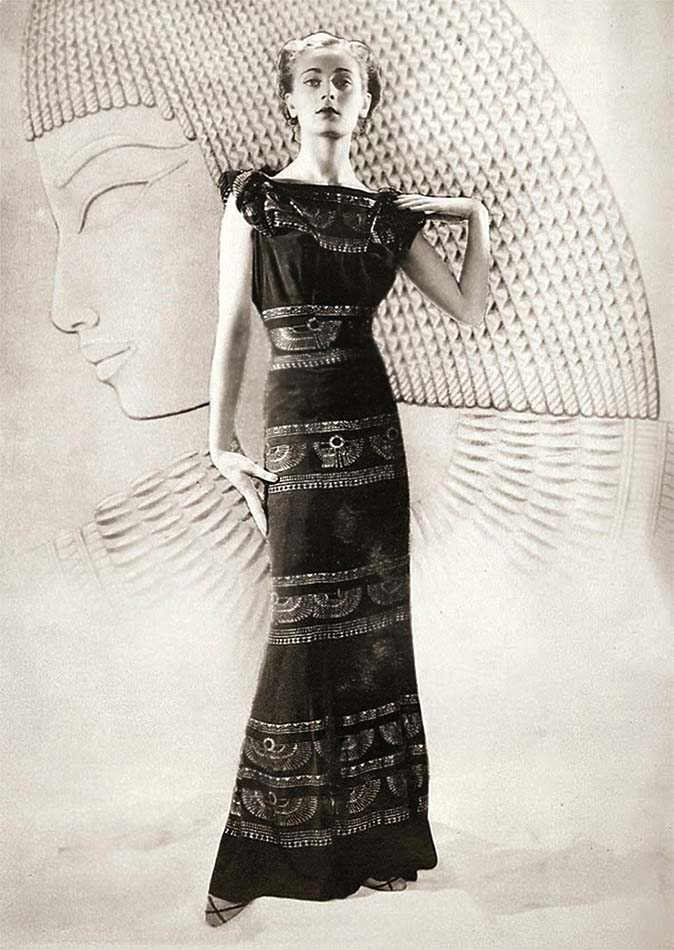 Fashion model (Egyptian style), 1927 Paris. Photographer_ Dora Kallmus (D'Ora), Paris
