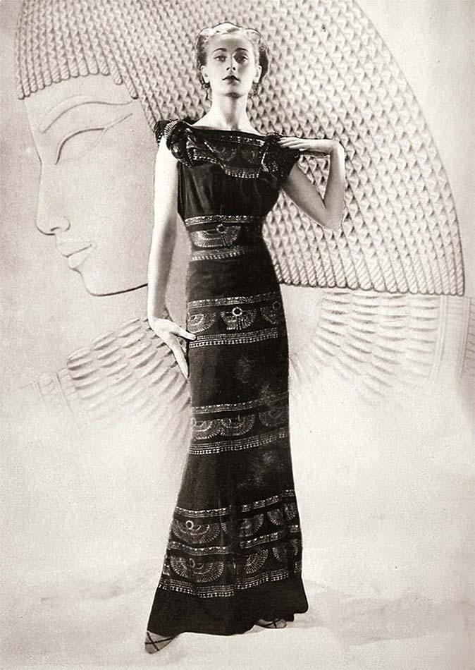 Fashion model (Egyptian style), 1927 Paris. Photographer_ Dora Kallmus (D'Ora), Paris