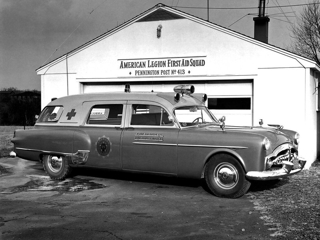 1951_Packard_300_Ambulance_by_Henney_2413_5194_emergency_retro_2048x1536.jpg
