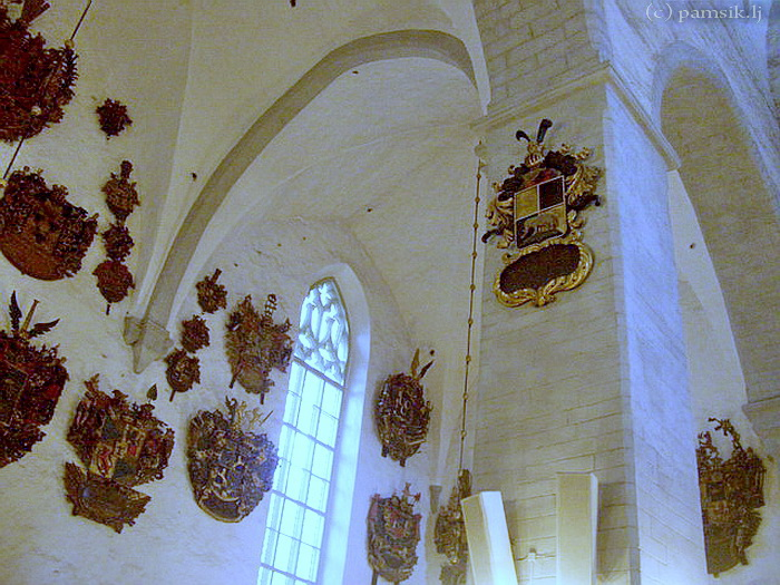 11 Epitaph coats of arms.jpg