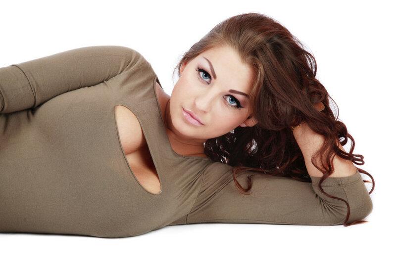 Чем больше грудь у женщины, тем больше она покупает