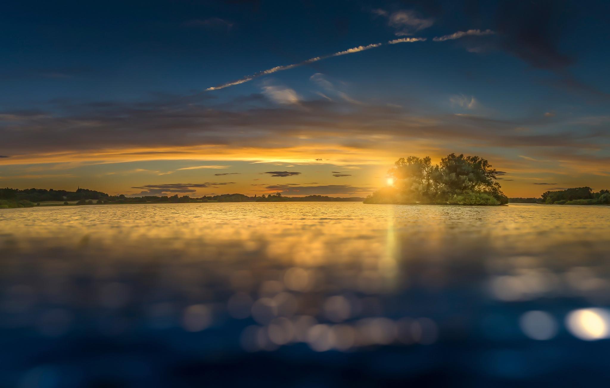 закат на острове