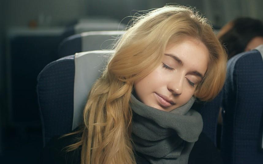 6. TRTL — «шарф для сна», созданный, чтобы помочь «путешествовать налегке и отдохнувшим». При весе в