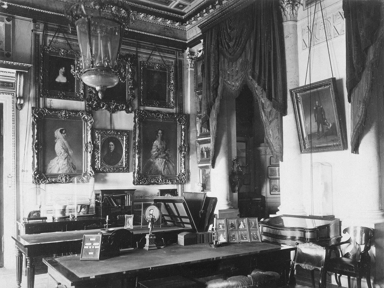 Кабинет императора Александра II в Зимнем дворце