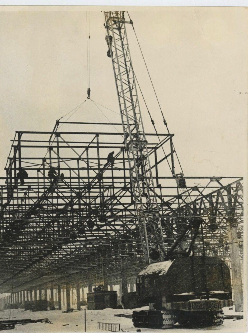 Строительство основного корпуса автозавода