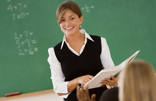 Российские учителя будут носить форму