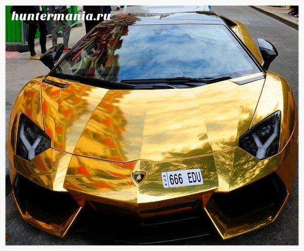 Золотой автомобиль. Самая дорогая машина продаётся в Дубаи