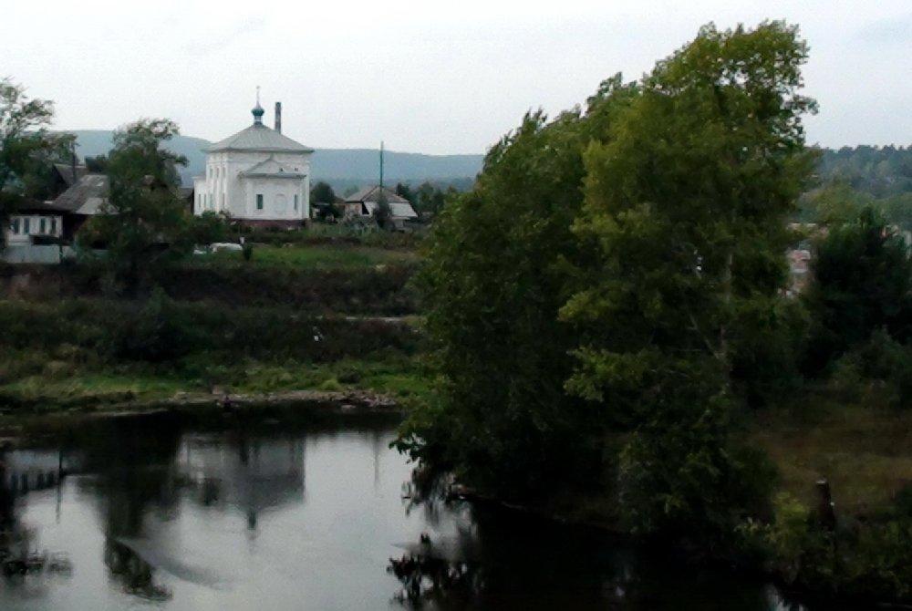 Вид нахрам состороны реки Куса (04.02.2015)