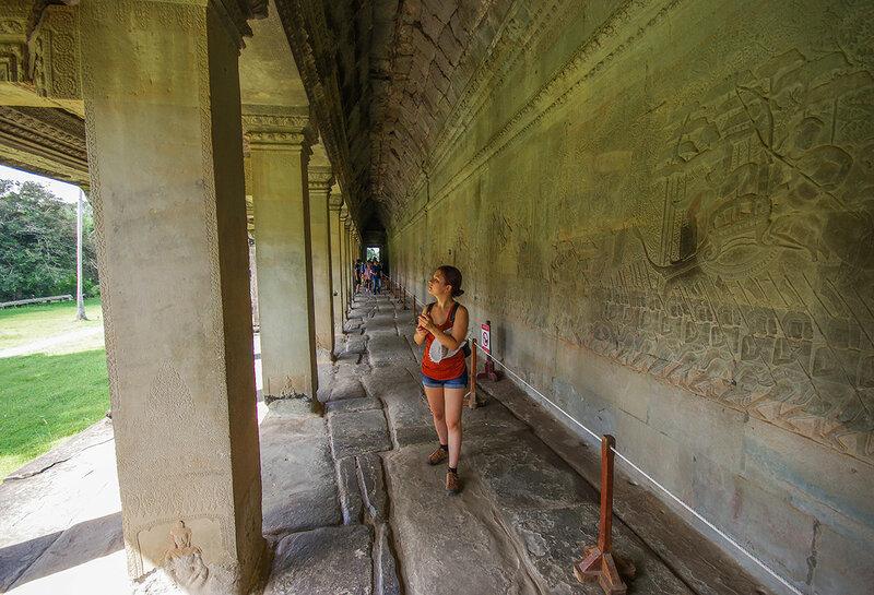 По Ангкор Вату