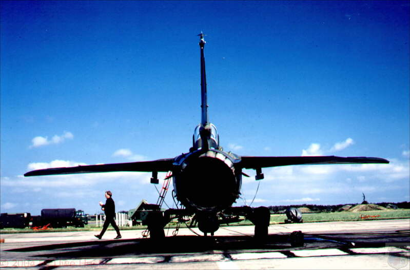 db_cein_Blick_in_das_Schubrohr_einer_MiG_23_MF_ex4.jpg