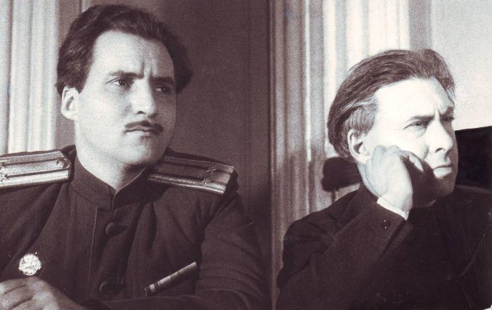 Харьковский процесс 1943 года. В ложе прессы К.Симонов и И.Эренбург