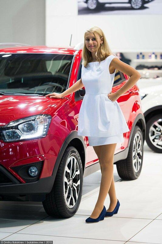 Самые красивые девушки франкфуртского автосалона – IAA 2015