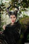 kinopoisk.ru-Maleficent-2403082.jpg