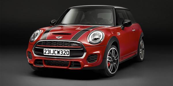Стало известно когда состоится премьера мощнейшего автомобиля Mini