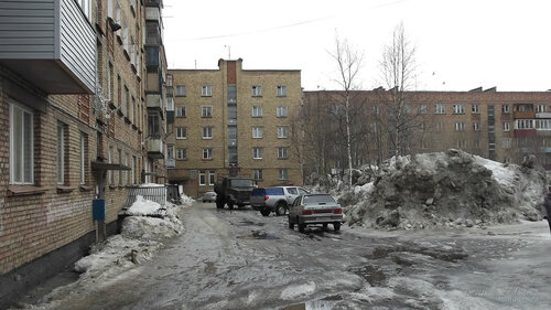 Фото города Инта №7523  Двор Куратова 26, 28 и 30 09.04.2015_12:53