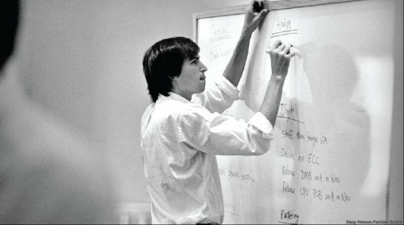 Редкие фотографии Стива Джобса и других известных людей в начале карьеры 0 1c43b1 53531893 XL