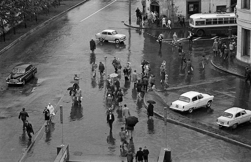 44456 Арбатская площадь дождливым днём.jpg