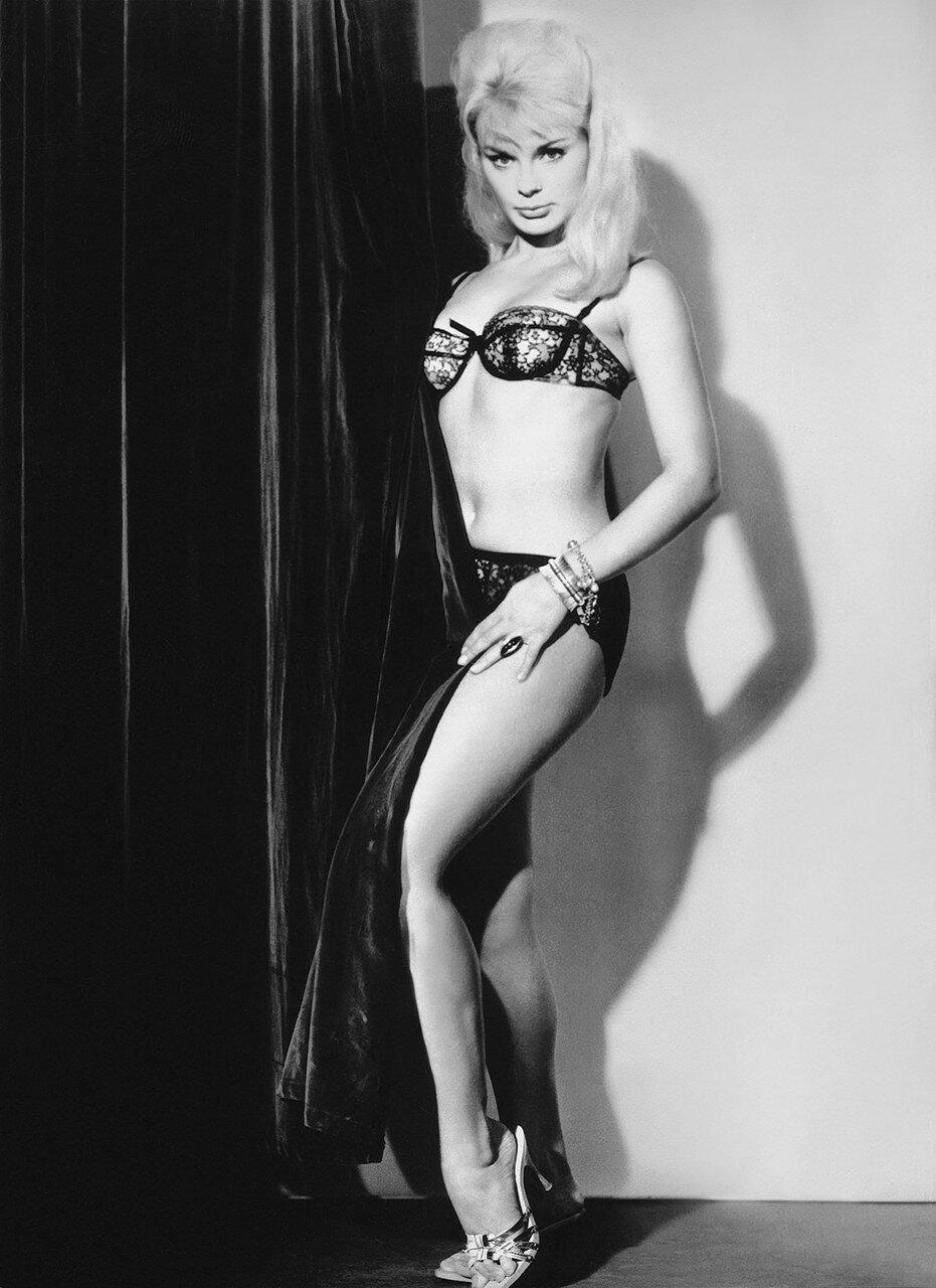 Elke Sommer, ca. 1961,