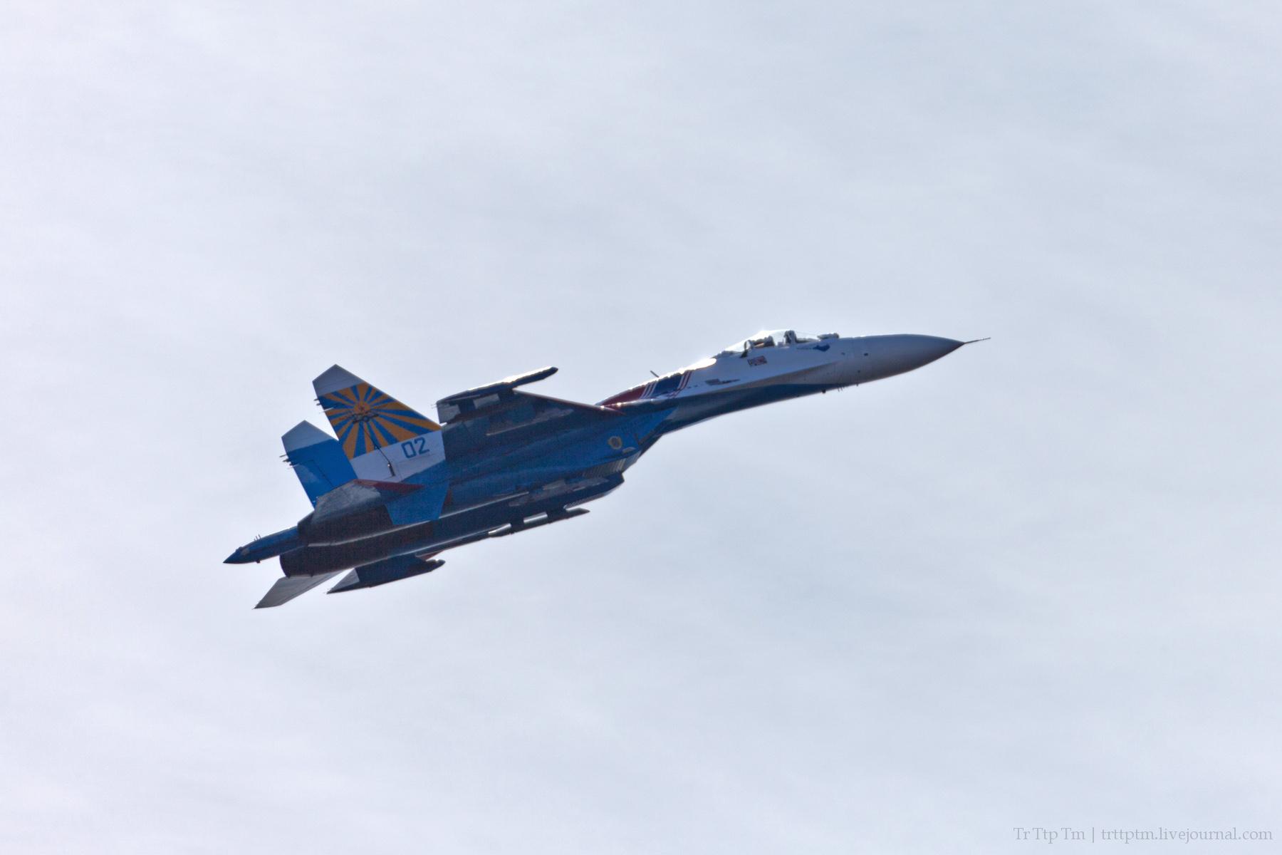 16. Военная авиация над Маркизовой лужей.