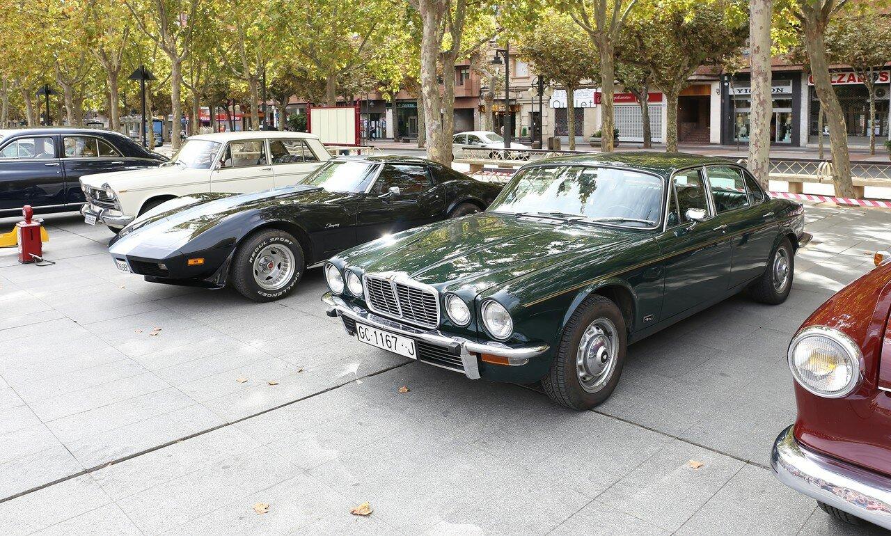 Парад ретроавтомобилей в Логроньо. Jaguar XJ 4.2 первой серии