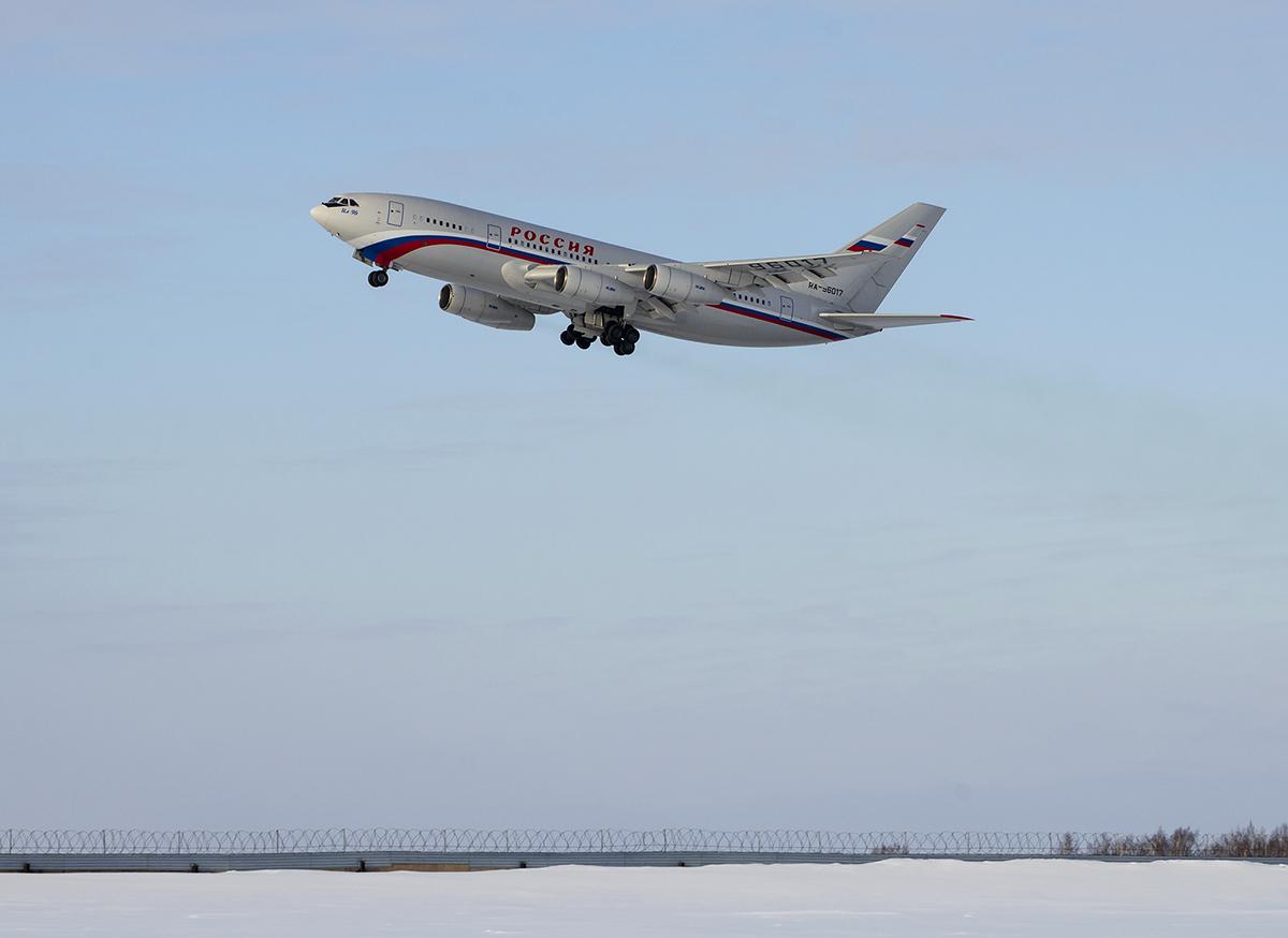 Ил-96 в Тюменском Рощино