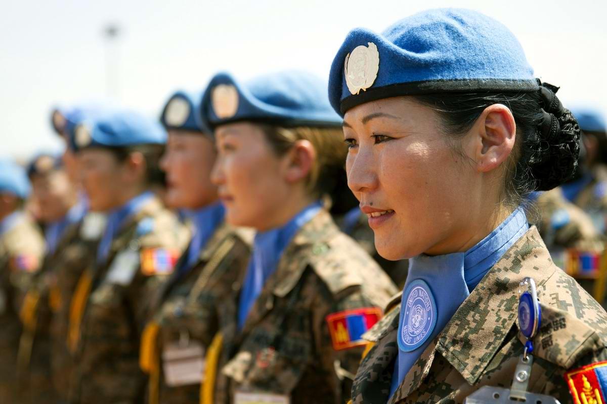 Девушки из монгольского спецназа