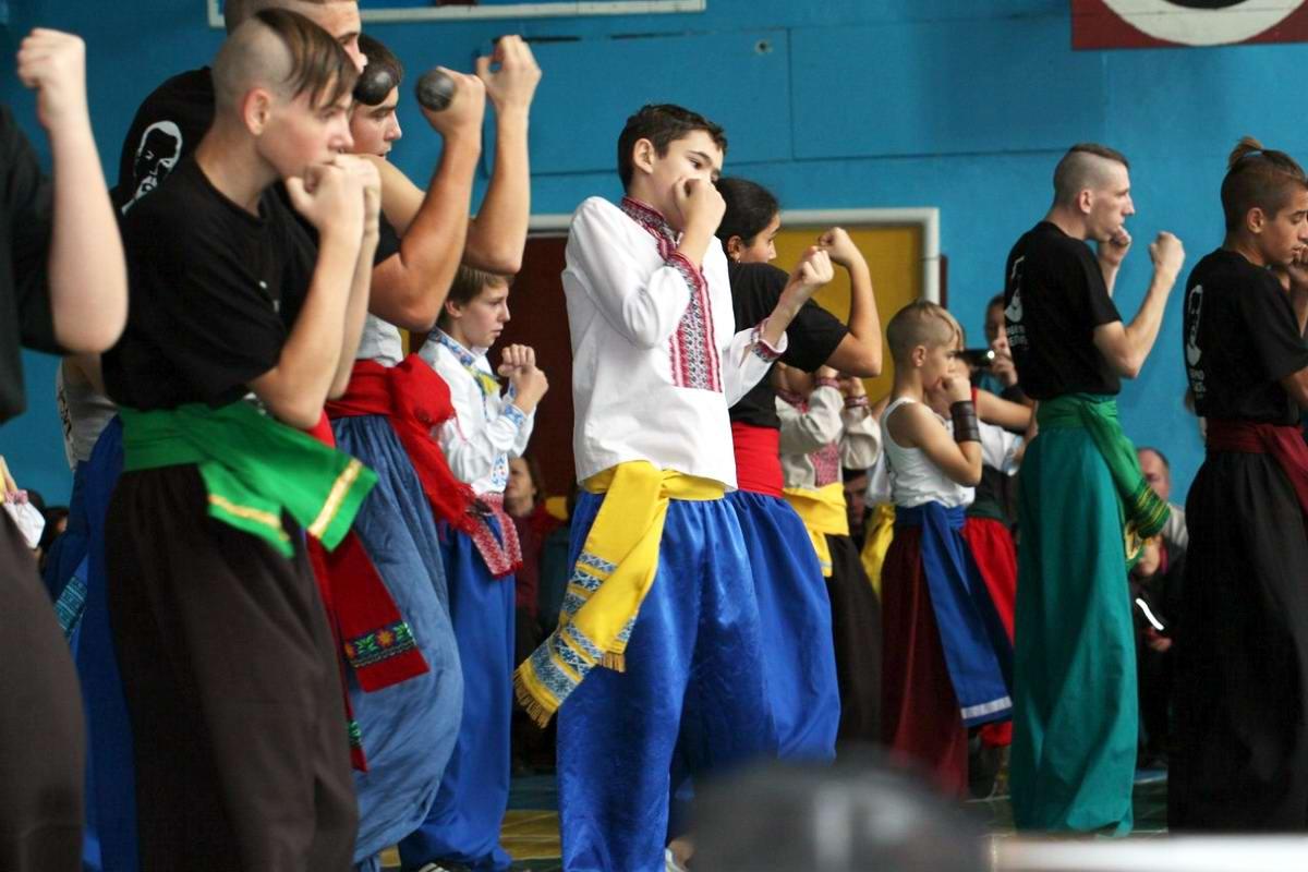Квалификационный групповой экзамен в школе боевого гопака города Нетешин (Хмельницкая область) (04)