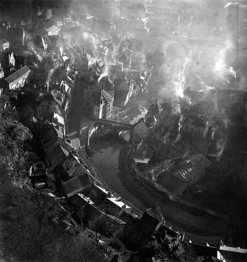 1945. Обюссон