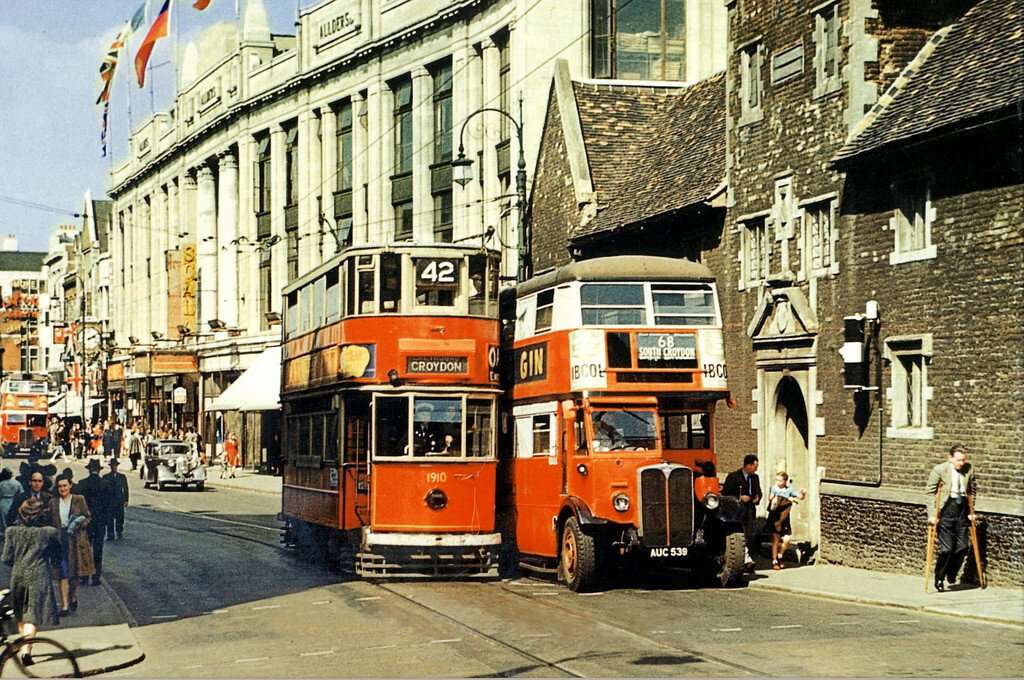 1945 Tight squeeze Croydon London.jpg