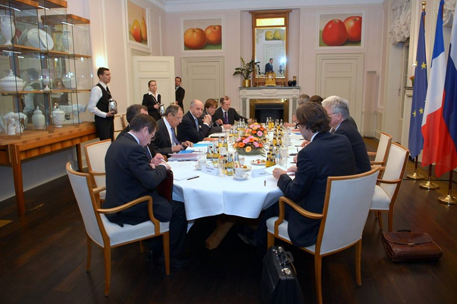Встреча нормандской четверки.png