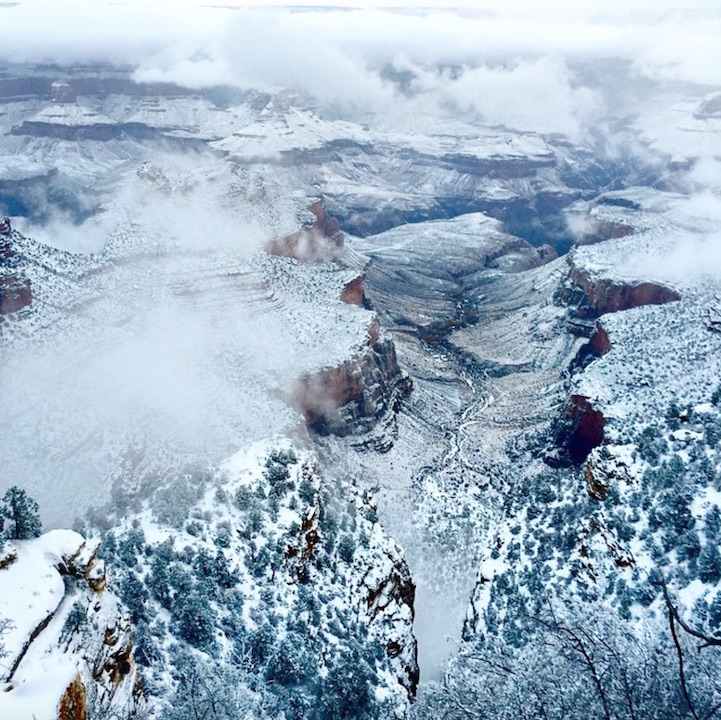 Гранд каньон парк в снежном покрывале