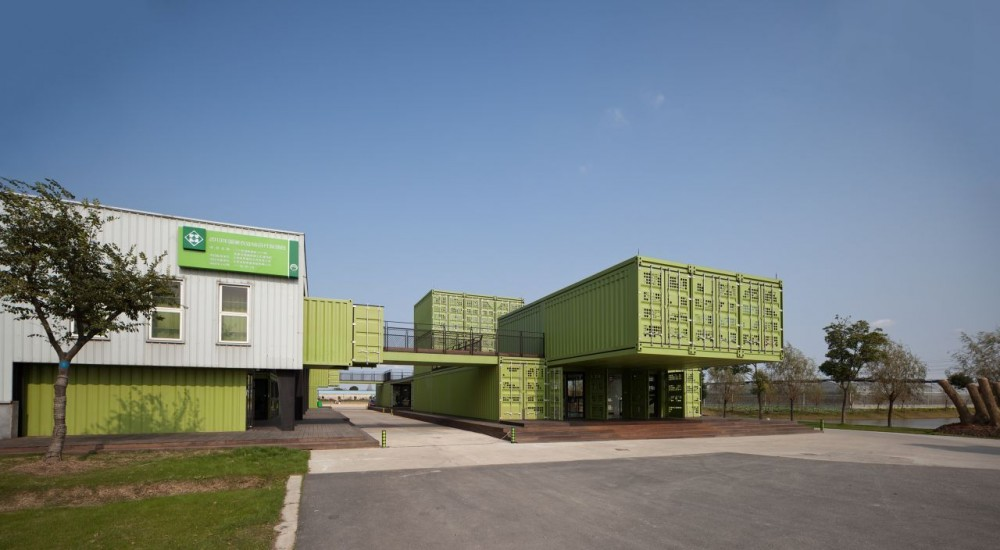 shipping-containers-architecture-tony-s-farm-playze-16.jpg